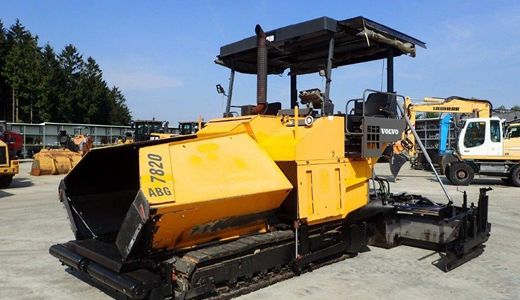 Tracked Pavers